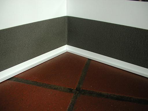 2 наклеить теплоизоляцию на стену